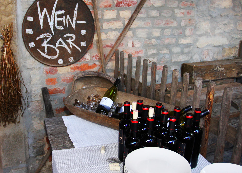 Weinbar_gross